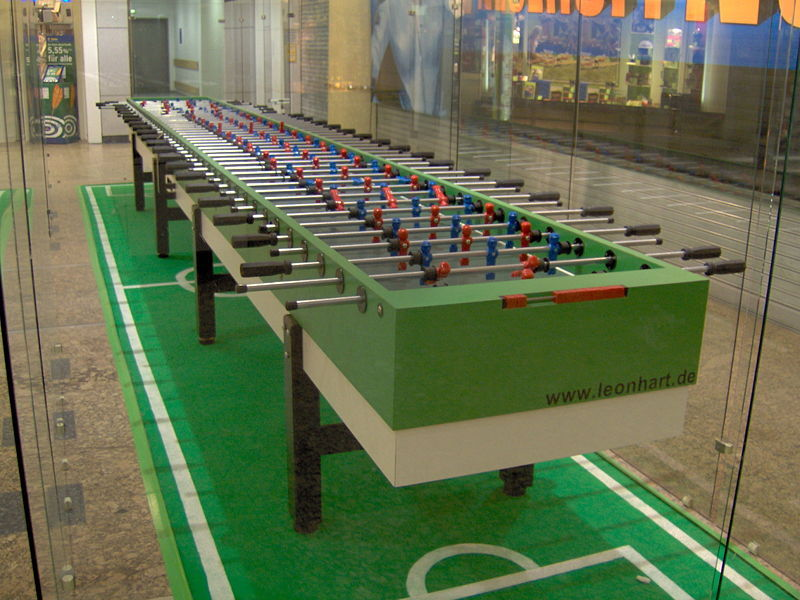 800px-Foosball11Players